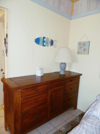 Click to enlarge image Large dresser for storing your clothes - Barefoot Dayz - Wonderful Studio Condo at Island Retreat