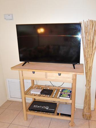 Click to enlarge image Large flat screen tv - Barefoot Dayz - Wonderful Studio Condo at Island Retreat