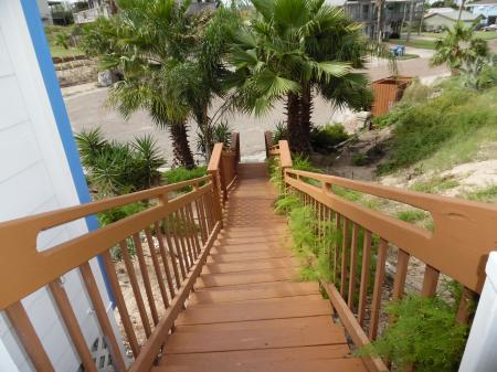 Click to enlarge image  - Cottage in the Dunes - This home is the guest house for the Dome, Can be rented separately. Enjoy the pool. One bedroom, one bath,kichen laundry. Sleeps 2-4.